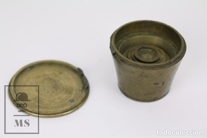 Antigüedades: Antiguo Ponderal de Vasos Anidados Francés - 500 Gramos - Bronce - Siglo XIX - Foto 4 - 104960259