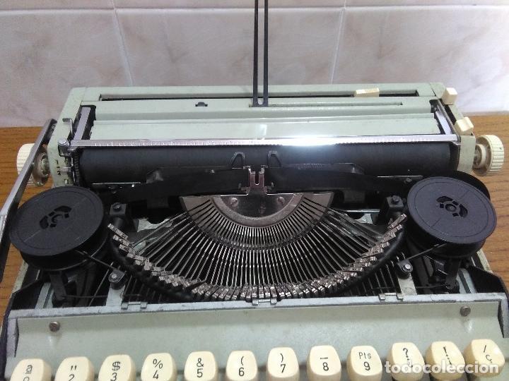 Antigüedades: Máquina de escribir Maritsa 12 Especial años 70!!! - Foto 3 - 105039759