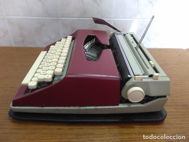 Antigüedades: Máquina de escribir Maritsa 12 Especial años 70!!! - Foto 5 - 105039759