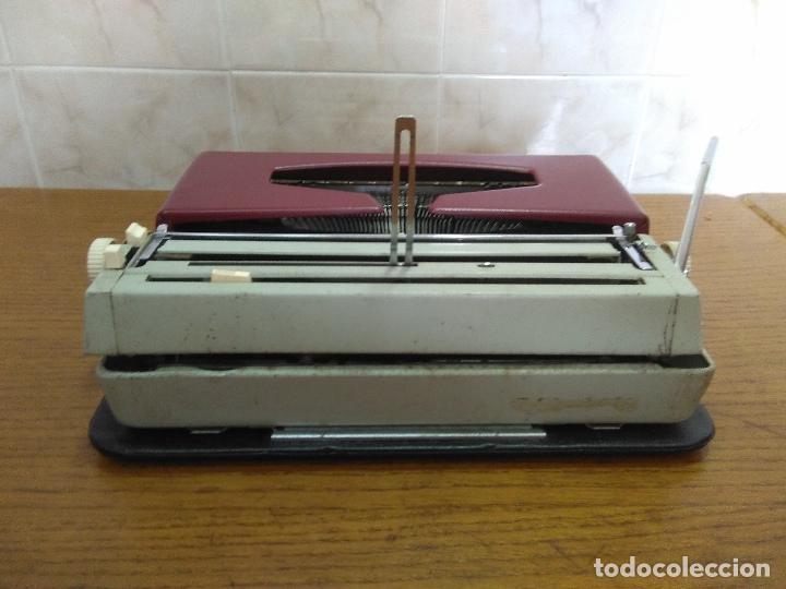 Antigüedades: Máquina de escribir Maritsa 12 Especial años 70!!! - Foto 6 - 105039759