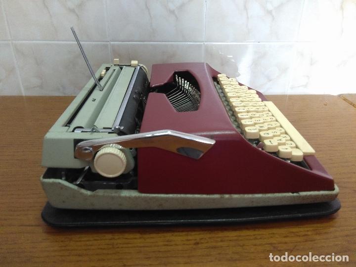 Antigüedades: Máquina de escribir Maritsa 12 Especial años 70!!! - Foto 7 - 105039759