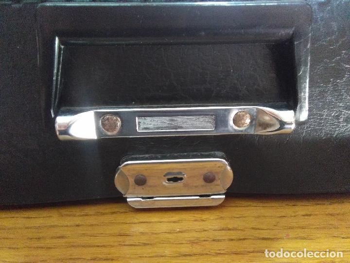 Antigüedades: Máquina de escribir Maritsa 12 Especial años 70!!! - Foto 9 - 105039759