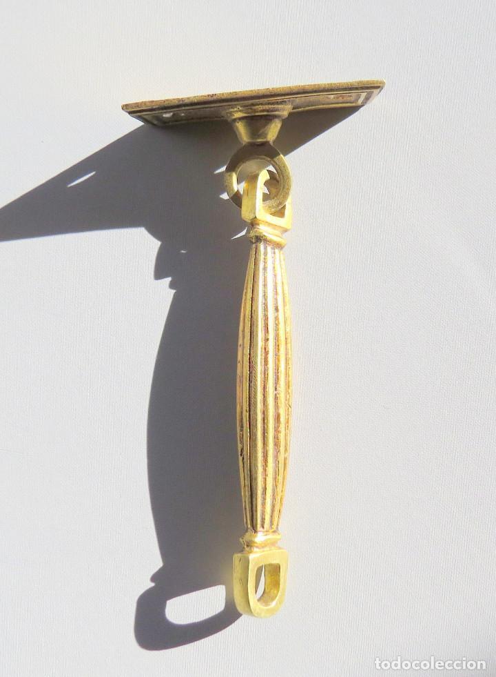 Antigüedades: DOS TIRADORES ANTIGUOS DE BRONCE DORADO - Foto 5 - 186033747