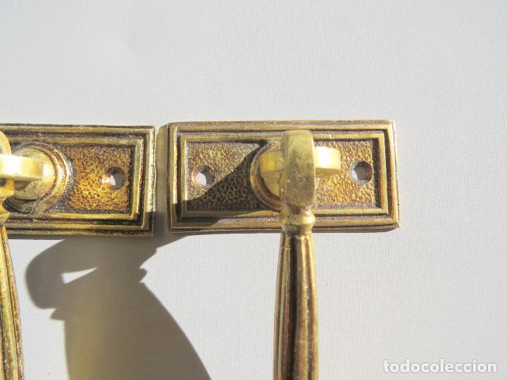 Antigüedades: DOS TIRADORES ANTIGUOS DE BRONCE DORADO - Foto 18 - 186033747