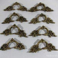 Antigüedades: ANTIGUO LOTE DE 8 TIRADORES PARA CAJONERAS EN BRONCE. Lote 105198991