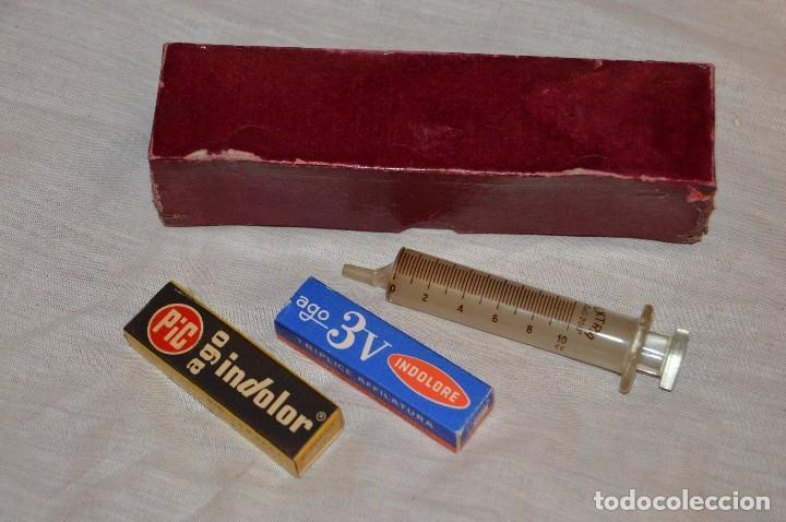 VINTAGE - ANTIGUA JERINGUILLA GRANDE DE CRISTAL - CON DOS AGUJAS NUEVAS - EN CAJA - HAZ OFERTA (Antigüedades - Técnicas - Herramientas Profesionales - Medicina)