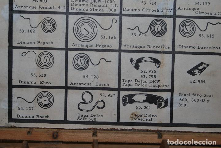 Antigüedades: CAJA DE MADERA PARA RECAMBIOS DE AUTOMÓVIL - TALLER - SEAT, CITROEN, PEGASO, BARREIROS - AÑOS 60 - Foto 5 - 105333747