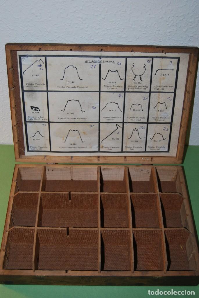 Antigüedades: CAJA DE MADERA PARA RECAMBIOS DE AUTOMÓVIL - TALLER - SEAT, CITROEN, PEGASO, BARREIROS - AÑOS 60 - Foto 6 - 105333867