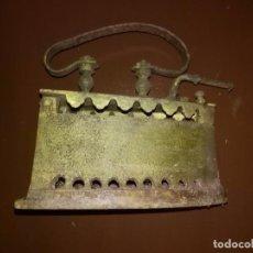 Antigüedades: ANTIGUA PLANCHA DE CARBÓN. Lote 105619911