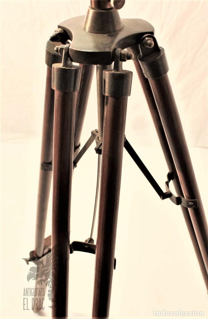 Antigüedades: TELESCOPIO DE LATÓN CON TRÍPODE DE MADERA - Foto 3 - 105646471