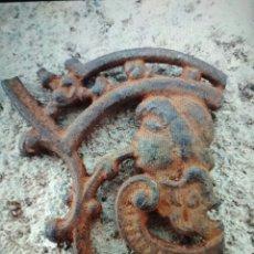 Antigüedades: HIERRO SIGLO XIX CON CABEZA DE NIÑO.. Lote 105856119