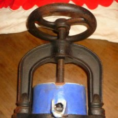 Antigüedades: PRENSA DE FARMACIA. Lote 105922943