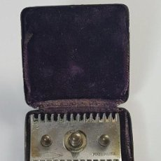 Antigüedades: ANTIGUA MÁQUINA DE AFEITAR GILLETE ( MADE IN USA ) CAJA ORIGINAL ( AÑOS 30/40 ). Lote 105976143