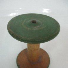 Antigüedades: ANTIGUO CARRETE - BOBINA - MADERA - PINTADA EN VERDE. Lote 105999155