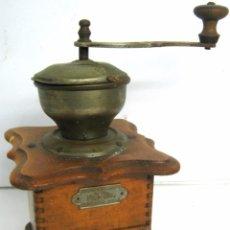 Antigüedades: ANTIGUO MOLINILLO DE CAFE PETER DIENES - BELLA CAJA DE MADERA. Lote 106077967