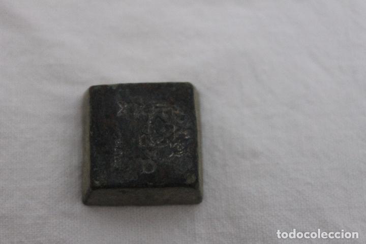 Antigüedades: RARO PONDERAL CON MARCAS DE CASTILLA, DE 27 GRAMOS - Foto 14 - 70487213