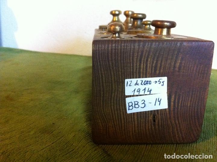Antigüedades: CURIOSO, RARO, ANTIGUO Y COMPLETO JUEGO DE 12 PESAS DE BRONCE (D03) - Foto 4 - 104744759