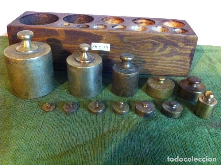 Antigüedades: CURIOSO, RARO, ANTIGUO Y COMPLETO JUEGO DE 12 PESAS DE BRONCE (D03) - Foto 5 - 104744759