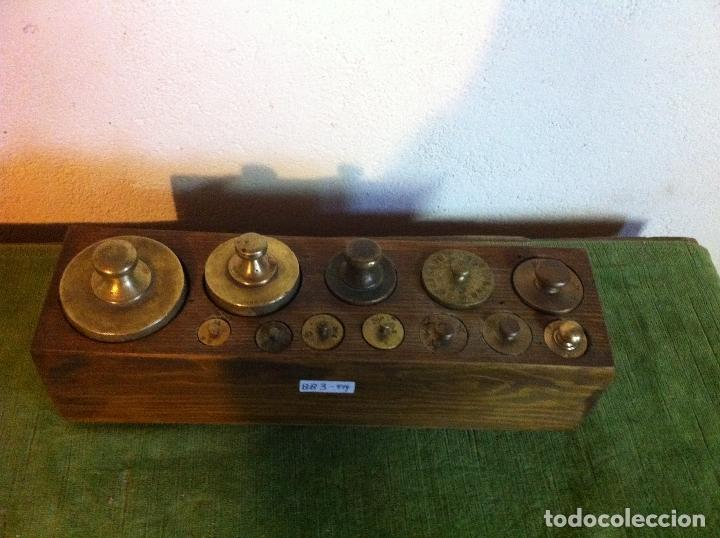 Antigüedades: CURIOSO, RARO, ANTIGUO Y COMPLETO JUEGO DE 12 PESAS DE BRONCE (D03) - Foto 6 - 104744759