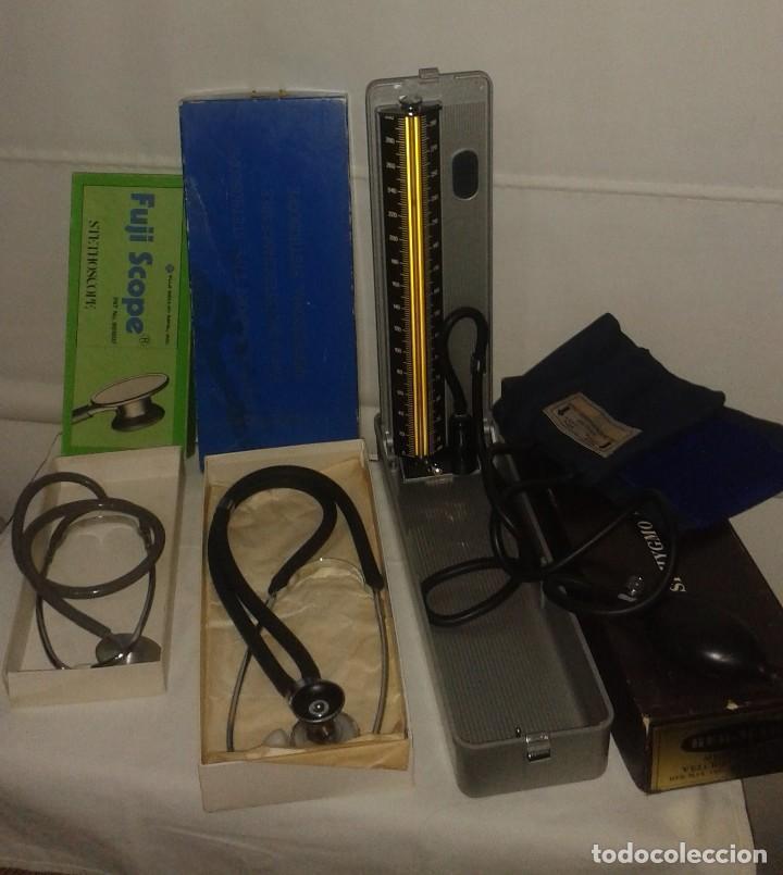 LOTE DE ANTIGUO APARATO MEDICO TENSIOMETRO MANOMETRO DE MERCURIO Y 2 ESTETOSCOPIOS / FONENDOSCOPIOS (Antigüedades - Técnicas - Herramientas Profesionales - Medicina)