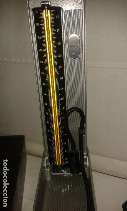 Antigüedades: Lote de antiguo aparato medico tensiometro manometro de mercurio y 2 estetoscopios / fonendoscopios - Foto 18 - 139249613