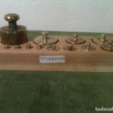Antigüedades: BONITO TACO DE 13 ANTIGUAS PESAS DE BRONCE DESDE 1G A 500G (F04). Lote 106661151