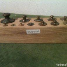 Antigüedades: BONITO TACO DE 13 ANTIGUAS PESAS DE BRONCE DESDE 1G A 500G (F05). Lote 106662159