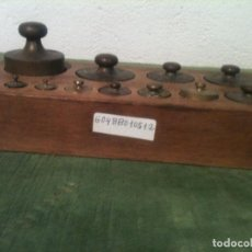 Antigüedades: BONITO JUEGO DE 12 ANTIGUAS PESAS DE BRONCE DESDE 1G A 500G (G04). Lote 106668835
