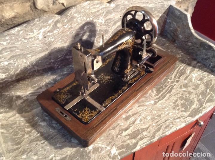 MÁQUINA DE COSER MARCA OBIN (Antigüedades - Técnicas - Máquinas de Coser Antiguas - Otras)