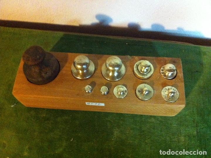 BONITO JUEGO DE 11 ANTIGUAS PESAS DE HIERRO Y DE BRONCE DE 5G A 1KG (Q21B) (Antigüedades - Técnicas - Medidas de Peso - Ponderales Antiguos)