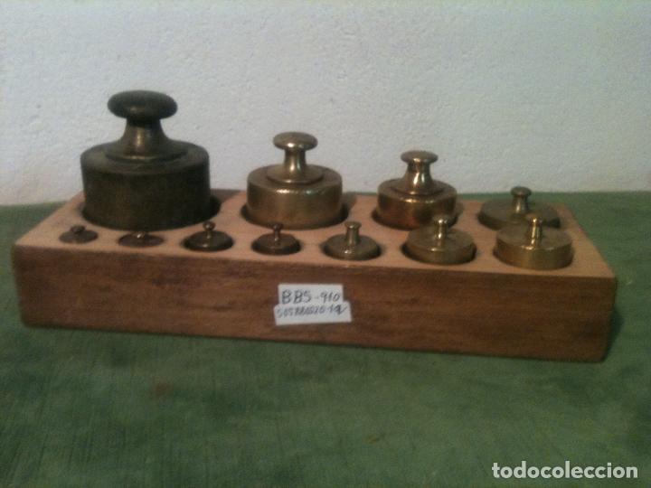 MUY BONITO Y COMPLETO JUEGO DE 11 ANTIGUAS PESAS DE BRONCE DESDE 2000 G HASTA 5 G (D05) (Antigüedades - Técnicas - Medidas de Peso - Ponderales Antiguos)