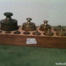 Antigüedades: MUY BONITO Y COMPLETO JUEGO DE 11 ANTIGUAS PESAS DE BRONCE DESDE 2000 G HASTA 5 G (D05). Lote 87672916