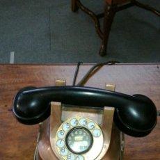 Teléfonos: TELÉFONO DE METAL MUY ANTIGUO. Lote 107002612