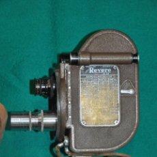 Antigüedades: ANTIGUA CAMARA REVERE 8 MM. MODEL 99 - EN ESTUCHE ORIGINAL - TOMAVISTAS A CUERDA . Lote 107030323