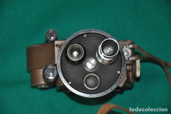 Antigüedades: ANTIGUA CAMARA REVERE 8 MM. MODEL 99 - EN ESTUCHE ORIGINAL - TOMAVISTAS A CUERDA - Foto 10 - 107030323