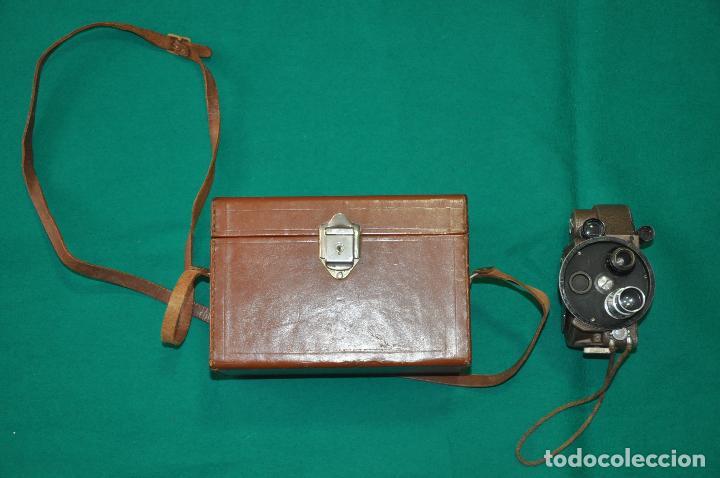 Antigüedades: ANTIGUA CAMARA REVERE 8 MM. MODEL 99 - EN ESTUCHE ORIGINAL - TOMAVISTAS A CUERDA - Foto 12 - 107030323