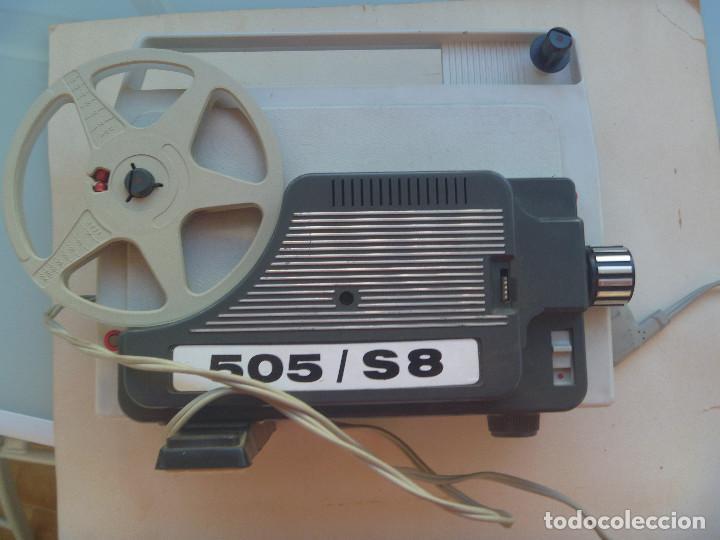 ANTIGUO PROYECTOR DE SUPER 8 . AUTOMATIC 505 / S8. INSTRUCCIONES EN ALEMAN (Antigüedades - Técnicas - Aparatos de Cine Antiguo - Proyectores Antiguos)