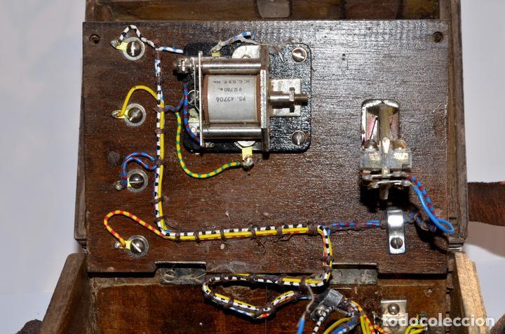Antigüedades: RARÍSIMO Y MUY ANTIGUO APARATO DE PRUEBAS, POSIBLEMENTE DE TELECOMUNICACIONES EE-59 GR 1 - Foto 8 - 107314347