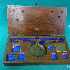 Antigüedades: PEQUEÑA BÁSCULA, AZAFRANERO, SIN PESAS. Lote 107325387