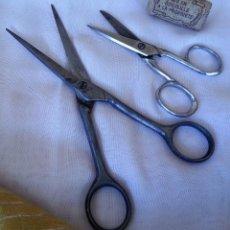 Tijeras antiguas de barbero. Pareja. Años 70. Emblemáticas. Old scissors,