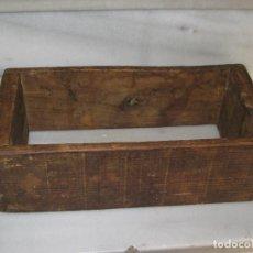 Antigüedades: ANTIGUO MOLDE PARA HACER LADRILLOS DE ADOBE.. Lote 107450287
