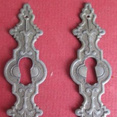Antigüedades: 2 BOCA LLAVE METAL - NO COGE IMÁN . Lote 107452347