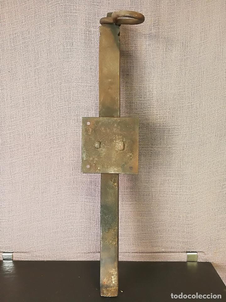 Antigüedades: ANTIGUO CERROJO PESTILLO FORJA HIERRO FORJADO - Foto 8 - 107496259