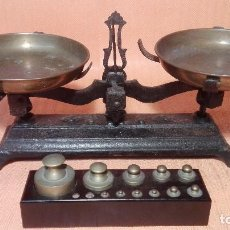Antiquitäten - Balanza antigua con juego de pesas - 107541271