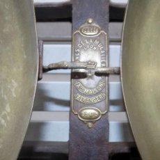 Antigüedades: PRECIOSA BASCULA FRANCESA LYON, 20 KG, EXCELENTE ESTADO, HIERRO Y LATON, 61 CM. Lote 107588583