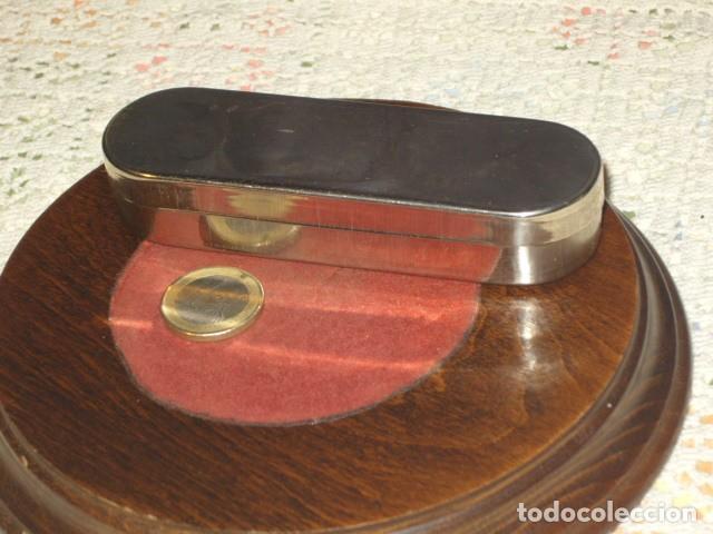 Antigüedades: CAJA DE ACERO JERINGUILLA O MATERIAL MEDICO. - Foto 2 - 107811367