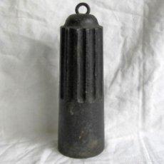 Antiques - Gran pesa de hierro de 5 kilogramos - 107904703