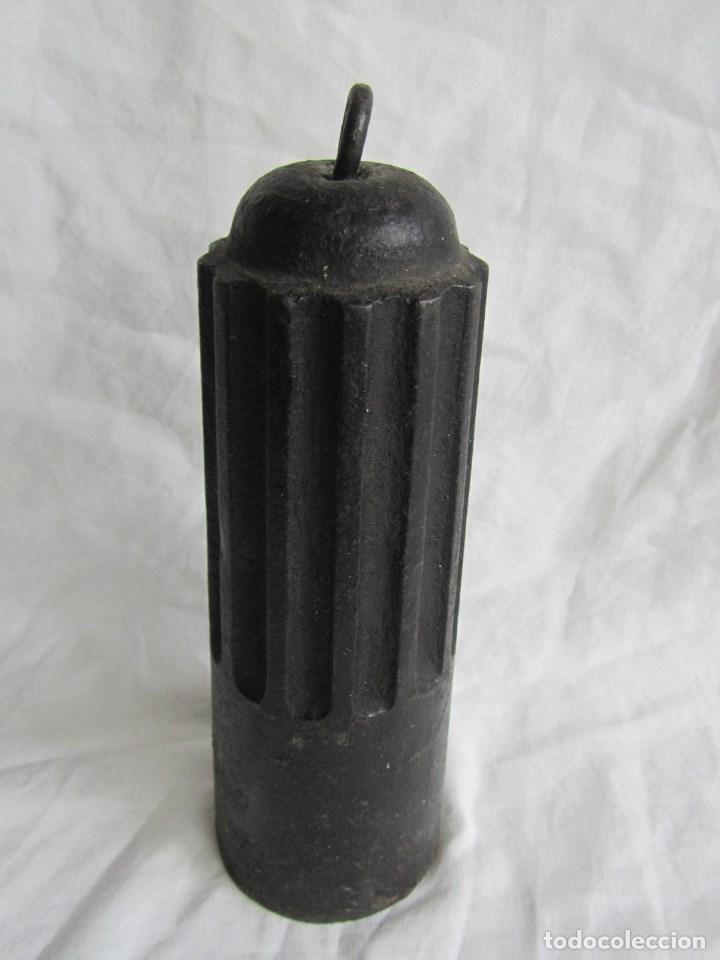 Antigüedades: Gran pesa de hierro de 5 kilogramos - Foto 6 - 107904703