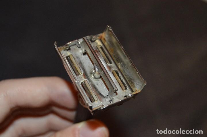 Antigüedades: VINTAGE - ANTIGUA MAQUINILLA DE AFEITAR GILLETTE - U 2 - MADE IN USA - HAZ OFERTA - LOTE Nº 3 - Foto 9 - 107927603