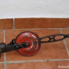 Antigüedades: ANTIGUO TALADRO DE MANO (ESTADOS UNIDOS). Lote 107961079